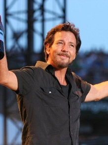 Mais shows por aqui: Eddie Vedder, Enrique Iglesias e Imagine D