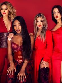 Fifth Harmony canta na Disney e arrasa em música natalina