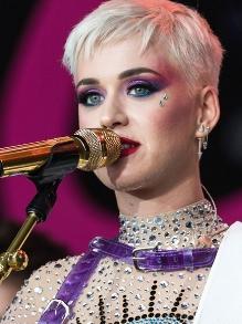 Cai na rede música antiga e inédita de Katy Perry. Escute aqui