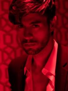 Enrique Iglesias lança clipe sensual da música El Baño. Veja aqui