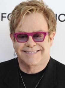 Elton John anuncia que vai fazer sua última turnê e esta será a última
