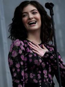 Hoje tem Lorde em cover lindo e Lily Allen e Iza e Moraes M com clipe novo