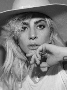 Sextou com os clipes da Lady Gaga, Shakira e Maluma e Rita Ora e Liam