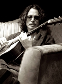 Cai na rede música de Johnny Cash gravada por Chris Cornell. Veja aqui