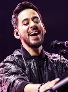 Mike Shinoda, do Linkin Park, lança duas músicas novas com clipe