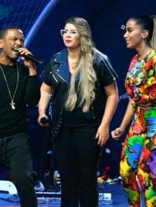 Anitta canta música nova Pode Parar com Nego do Borel e Marília M