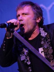 Autobiografia de Bruce Dickinson, do Iron Maiden, já está disponível