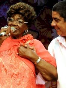 Morre a grande cantora e compositora Dona Ivone Lara. Veja seus sucessos