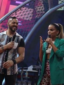 Belo canta e arrasa em música composta por Anitta para seu marido