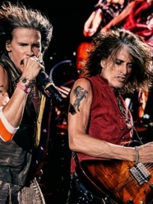 Joe Perry, guitarrista do Aerosmith, promete turnê de 50 anos da banda