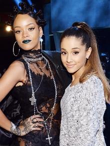 Sai trecho de música de Rihanna e Ariana libera nova canção polêmica