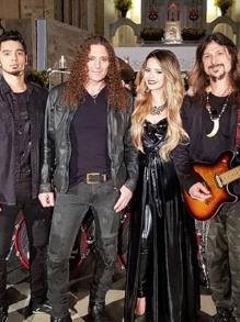 Angra libera clipe com participação de Sandy toda metaleira