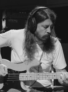 Dave Grohl, do Foo Fighters, libera teaser de seu novo documentário