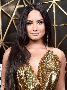Demi Lovato cancela turnê no Brasil. Veja como resgatar sua grana