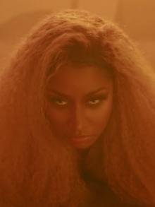A rapper Nicki Minaj está toda linda no clipe de 'Ganja Burn'