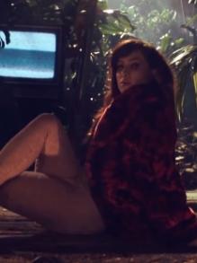 Pitty lança clipe da deliciosa música 'Te Conecta'