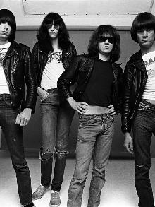Ramones lança clipe da faixa 'She's The One', gravado em 1978
