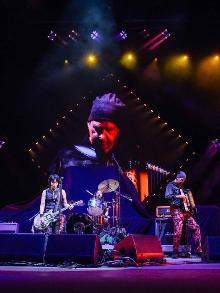Dave Grohl reune integrantes do Nirvana e eles tocam os clássicos