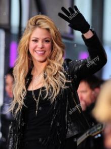 Shakira encerra turnê na Colômbia e começa construir duas escolas