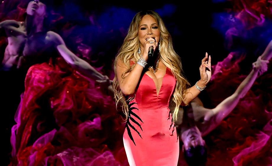 foto: 1 - Mariah Carey posta vídeo fofo com os filhos e Ariana Grande libera série