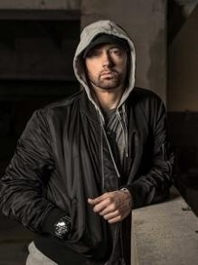 Eminem vive um relacionamento violento em novo clipe. Veja aqui