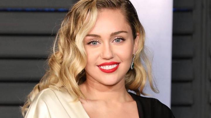 foto: 2 - Clima natalino: Paralamas e Miley Cyrus gravam versões de clássicos