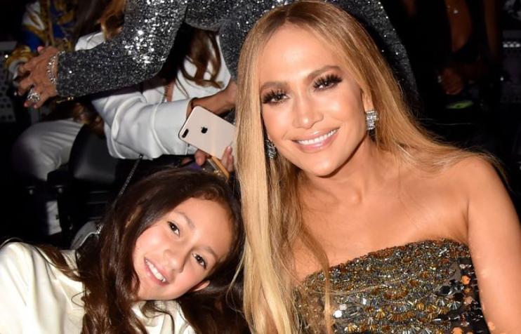 foto: 1 - Jennifer Lopez lança clipe com filha e Anitta tem nova música com Maluma