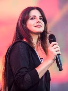 Depois de lançar música inédita, Lana Del Rey libera prévia de mais uma