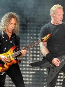 Metallica, Miley C, Dave Ghrol e filha de Cornell emocionam em tributo