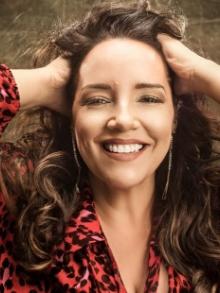 Ana Carolina lança EP de músicas inéditas e libera clipe romântico