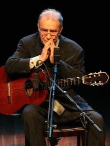 Morre João Gilberto, ícone da bossa nova. Cantores lamentam