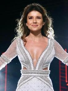 Paula Fernandes libera clipe de Juntos em dueto com seu público