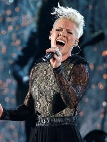 Cantora Pink, que vem ao Rock in Rio, tem a turnê feminina mais lucrativa.