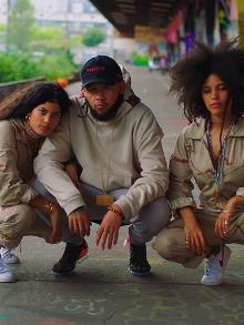 Emicida lança clipe com duo cubano Ibeyi. Assista aqui