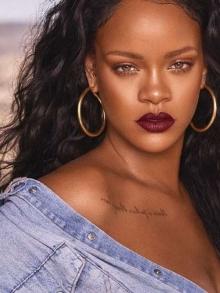 Rihanna vai lançar biografia em formato de fotos. Saiba tudo aqui