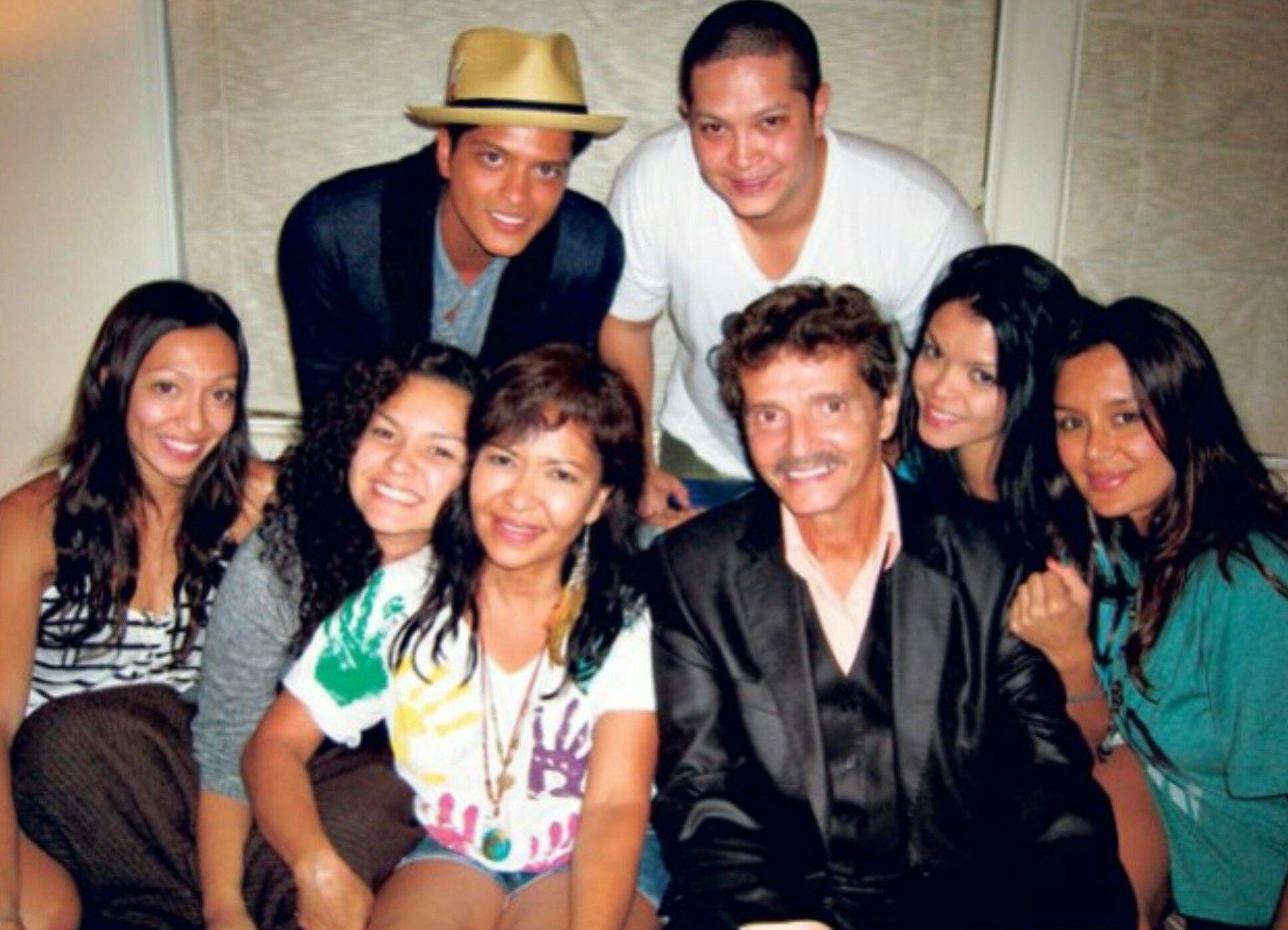 foto: 1 - Bruno Mars completa 34 anos hoje. Veja aqui alguns curiosidades