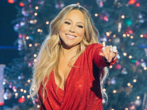 foto: 1 - No clima: Mariah Carey e Ellie Goulding cantam músicas de Natal