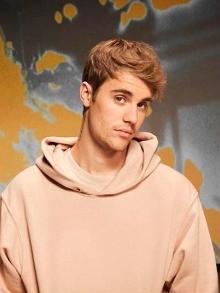 Justin Bieber está de volta e lança mais uma música inédita. Veja aqui