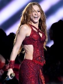 Shakira arrasa no Super Bowl e suas músicas voltam ao top 10