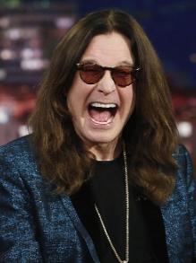 Ozzy Osbourne cancela turnê, mas lança música nova. Veja aqui