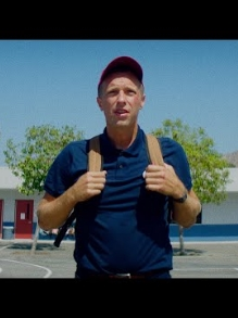 Coldplay volta a infância no clipe de 'Championof the World'. Veja aqui