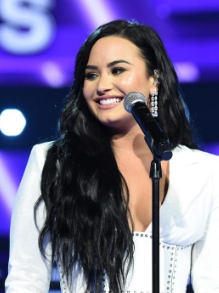 Demi Lovato promete liberar música inédita nesta sexta (6)
