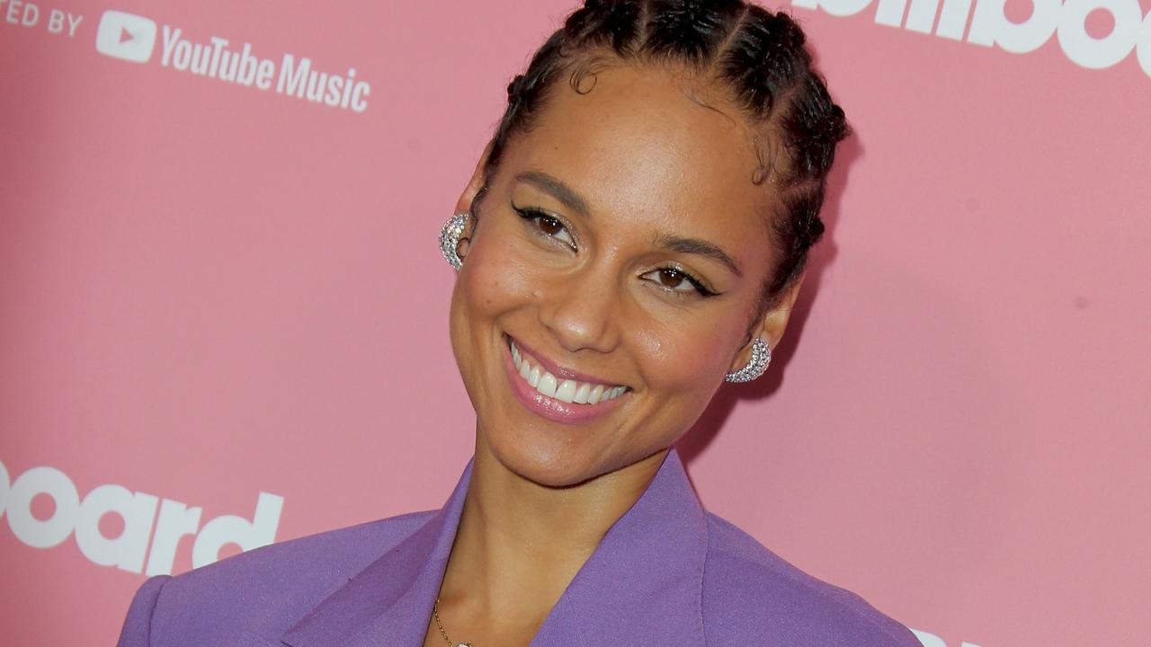 foto: 1 - Alicia Keys lança música inédita e Chris Martin e mais cantam Foo Fighters