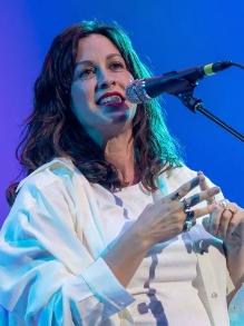 Alanis Morissette lança disco novo. Ouça aqui