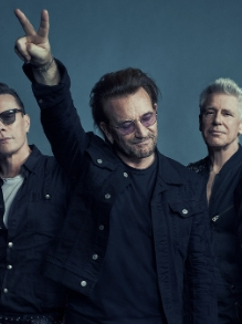 Em comemoração, U2 lança lyric vídeo de