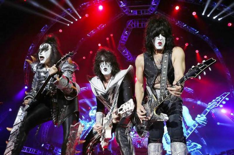 foto: 1 - Kiss adia shows no Brasil para 2021 e Pearl Jam lança música nova