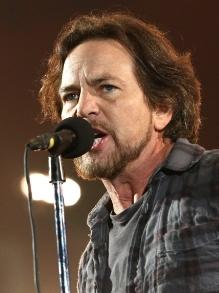 Eddie Vedder, do Pearl Jam, lança duas músicas solo. Escute aqui