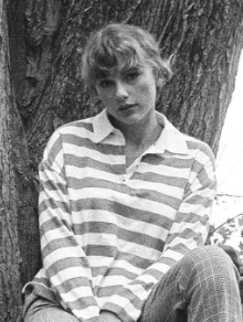 Taylor Swift lança versão acústica de