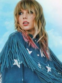 Taylor Swift libera versão de seu primeiro sucesso Love Story
