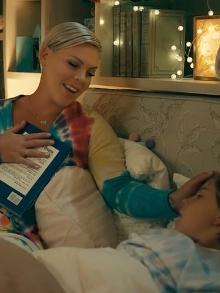 Pink lança música de documentário e filha está no clipe